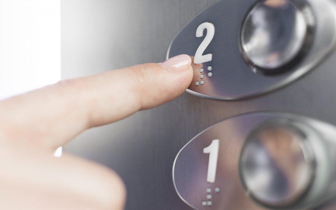 ¿Cuándo es obligatorio instalar un ascensor en la comunidad?